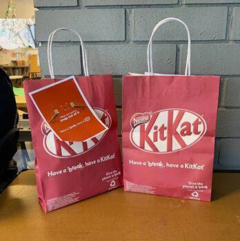 Cropped Kit Kat 3