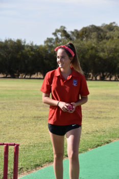 Vlc Brooke Cashin Ready To Bowl